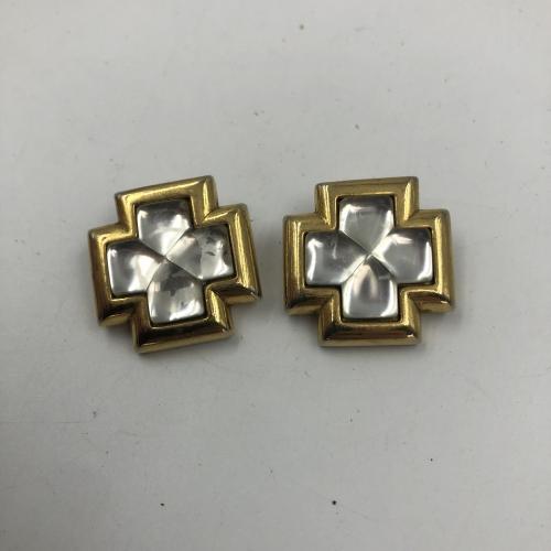Boucles d'oreilles, clips « Une Ligne » En résine et métal doré