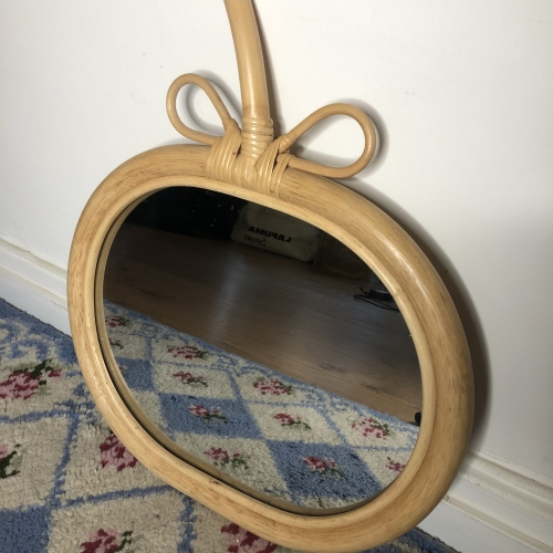 Miroir pomme en bois
