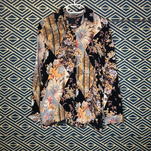 Chemise à motifs floraux