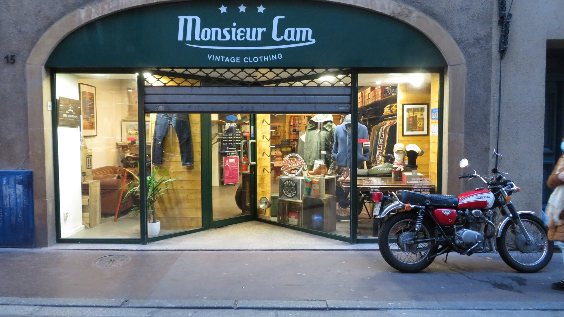 Monsieur Cam vintage clothes and bikes